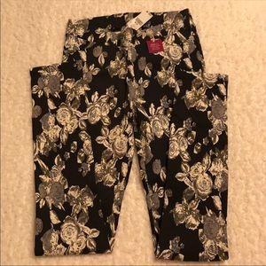 Pants - Floral Printed Leggings